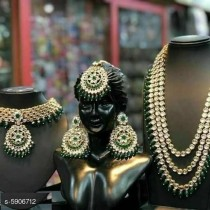 *New Stylish Trendy Women's Jewellery Sets *